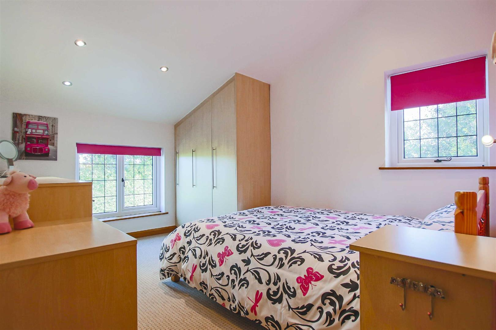 4 Bedroom Semi-detached House For Sale - Image 6